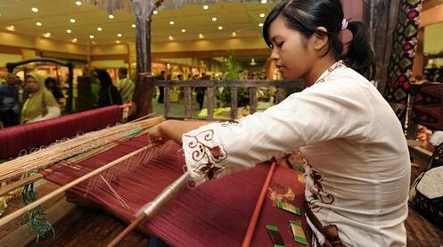 How Indonesian neighborhood retailers can accelerate into the digital economy